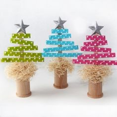 Make these easy to create Christmas Trees using simple supplies. (I bet you already have them on hand!) Great for kids. Full tutorial.