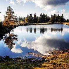 Spieglein, Spieglein... 😍 . . . #schwarzsee #nockberge #carinzia #visitcarinthia #carinzia♥️ #carinthia #kärntnerseen #bergziege #bergsüchtig #palnock #natur #bergsee #herbst #hiking #wandern #discovercarinthia #mountains🗻 #verditz #afritz #schwarzseehütte #austriavacations #enjoyaustria #spiegelung #ilovekärnten #kärnten #kaernten #wanderlust #austriafulloflife #österreich🇦🇹 #indiansummer - by @pics_carinthia Wanderlust, Mountains, Nature, Travel, Outdoor, Villach, Roller Coaster, Hiking Trails, Road Trip Destinations