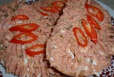 """Pomazánka z """"vepřovky"""" - recept. Přečtěte si, jak jídlo správně připravit a jaké si nachystat suroviny. Vše najdete na webu Recepty.cz. No Salt Recipes, New Menu, Meatloaf, Ham, Food And Drink, Spreads, Hams, Sandwich Spread"""