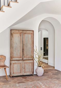 The full before and after reveal of Client What's The Story Spanish Glory, a Spanish-style home in California designed by Amber Lewis of Amber Interiors. Home Design, Design Design, Design Homes, Design Room, Design Ideas, Minimalism Living, Amber Interiors, Beautiful Home Interiors, Hotel Interiors