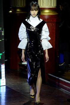 Kenzo Fall 2016 Ready-to-Wear Fashion Show
