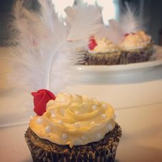 Made these fun cupcakes for a Great Gatsby themed party.