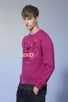 "Sweat-shirt ""Tiger"" Kenzo - Collection permanente Kenzo Homme - E-Shop Kenzo Sweat Shirt, Trousers, Graphic Sweatshirt, Shop, Sweaters, Jackets, Shirts, Men, Clothes"