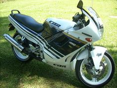 CBR 450SR
