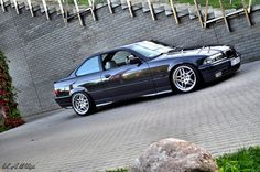 Non-M BMW e36 coupe on not much seen CMS wheels