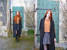 Get this look: http://lb.nu/look/7176794  More looks by Karole Josefa Bonnet: http://lb.nu/karolepidemic  Items in this look:  Choies Top, Forever 21 Skirt, Bikbok Jacket   #casual