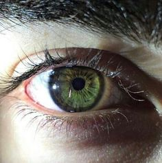What Is Your True Eye Color? Do you have the charm of someone with baby blue eyes, or do you keep situations calm with your soothing brown irises? Take our quiz and discover which true eye color lies within your soul! Aesthetic Eyes, Eye Photography, Eye Art, Pretty Eyes, Beautiful Eyes Color, Human Eye, Blue Eyes, Green Brown Eyes, Drawings