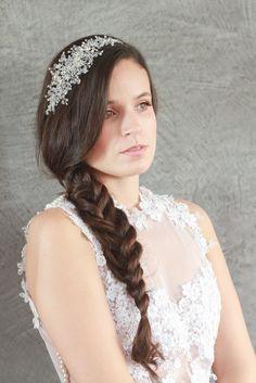 Tiara / Tocado para novias con cristales brillantes entrelazados