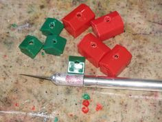 ReFab Diaries: Repurpose: The Monopoly on Charm. Old Board Games, Board Game Pieces, Vintage Board Games, Old Games, Game Boards, Monopoly Crafts, Monopoly Party, Monopoly Pieces, Melted Plastic