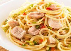 Chilli Tuna Spaghetti. (Reduce oil. Use tomatoes instead?)