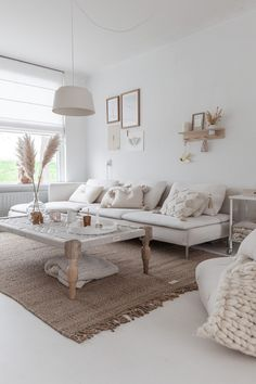 best minimalist living room designs ideas that make you be at home 1 Cozy Living, Rugs In Living Room, Home And Living, Living Room Designs, Living Room Decor, Living Spaces, Nordic Living, Scandinavian Living, Room Rugs