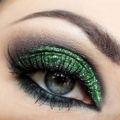 Omg I don't wear makeup but I would rock this!!!