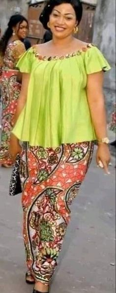 Latest African Fashion Dresses, African Dresses For Women, African Attire, African Fashion Traditional, African Print Dress Designs, African Blouses, Muumuu, Ankara, Camisole