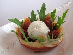 Cuenco crujiente de jamón con higos y mousse de gorgonzola