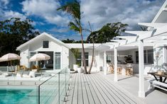 Few interior design trends are as sought-after as Hamptons style. Here are 5 finishes for hamptons style windows and doors. Die Hamptons, Hamptons Style Decor, Hamptons Beach Houses, Hamptons Style Bedrooms, Style At Home, Bungalow, Three Birds Renovations, Fresco, Modern Architecture House