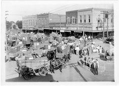 A view of downtown Arlington, Texas c. 1915  Photo: Arlington Public Library Historic Photo Collection