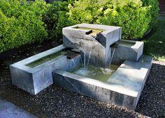 fontaine de jardin moderne en béton coulé à 3 cascades