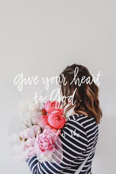 """I recently had a friend remind me to """"protect my heart."""" It's hard for me to do that—I like to wear my heart of my sleeve. I'm single, and I am all too willing to hand my heart away the minute I have a crush on someone. //daily devotionals for women catholic"""