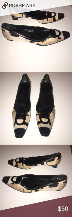 Authentic Salvatore Ferragamo signature heels 9 N Authentic Salvatore Ferragamo signature heels 9 N will fit 8.5 M good Condition a few light scuffs Salvatore Ferragamo Shoes Flats & Loafers