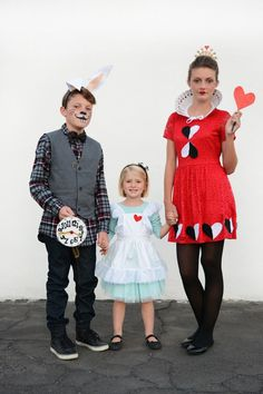 Alice in Wonderland Halloween Costumes for Siblings - Oleander + Palm  sc 1 st  Pinterest & 40 of the Cutest Family Halloween Costumes Ever | Pinterest | Fun ...