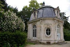 Paris, sus parques, jardines y bosques....pavillon, Parc de Bagatelle