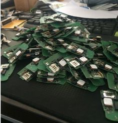 A6L A4L original new circuit board.The chip is completely new.If you have a locked remote control on your band,you just need to change with our new chip in your remote control then i will becomes a new remote.