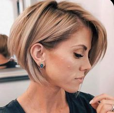 Stylish Short Hair Looks for Modern Girls In 2020 Stylish Short Haircuts, Short Haircut Styles, Short Bob Haircuts, Hairstyles Haircuts, Short Ladies Hairstyles, Short Bob Styles, Pixie Bob Haircut, Office Hairstyles, Anime Hairstyles