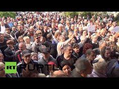 Hundreds elbow their way to polls as E. #Ukraine votes in #referendum