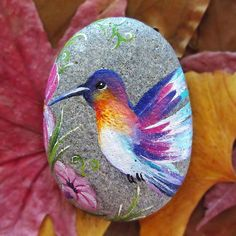31 Best Painted Rock Art Ideas with Qoutes You Can Do - Roomaintenance Painted Rock Animals, Painted Rocks Craft, Hand Painted Rocks, Painted Stones, Rock Painting Patterns, Rock Painting Ideas Easy, Rock Painting Designs, Pebble Painting, Pebble Art