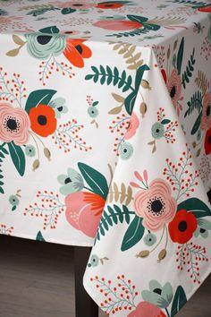 multi Botanical Garden Tablecloth | BHLDN