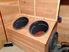 Lockable feed bins & removable buckets