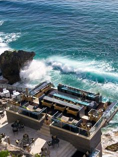 10 Of The World's Most Impressive Bars #refinery29  http://www.refinery29.com/coolest-bars