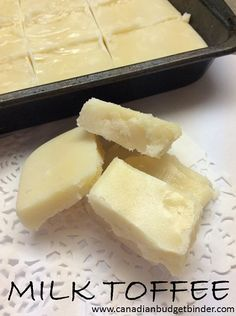 Milk Toffee also known as the Scottish Tablet is similar in texture and taste to fudge and won't disappoint in the sweetness and creaminess department. Gourmet Recipes, Baking Recipes, Cookie Recipes, Dessert Recipes, Desserts, Dessert Ideas, Milk Toffee, Toffee Sauce, Scottish Tablet