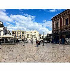 Bari piazza del Ferrarese