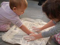 Le journal de Liv et Émy: Activités entre 8 et 12 mois