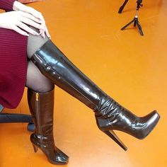 Fashion Today, Knee High Boots, Fashion Boots, Insta Pic, Cats Of Instagram, Bff, Heeled Boots, Cool Style, Like4like