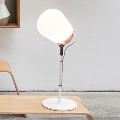 MONA Lampe  poser LED Verre noir H50cm Brokis Bureau