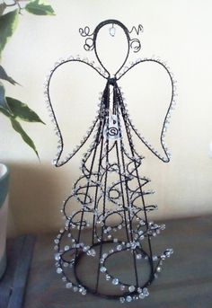 Copper Wire Crafts, Metal Crafts, Diy And Crafts, Arts And Crafts, Paper Crafts, Diy Angels, Beaded Angels, Handmade Angels, Christmas Angels
