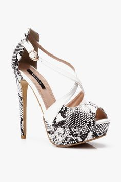#snake #sandals #heels #high #shoes #print #fashion http://bit.ly/Sandały_Snake