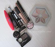 Cristina's Beauty Box   Beauty Blog : In My Makeup Box: January Makeup Box, Makeup Tips, Beauty Box, Nail Care, Makeup Looks, January, Blush, Nails, Mac Makeup Box