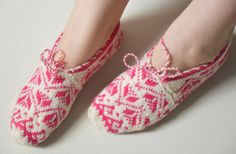 hand knitted wool slippers traditional pink by LOVELYCHICKNITTING, $32.00