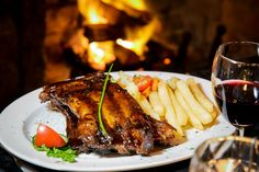 Delicious meals to be enjoyed at either De Oude Martha Restaurant or Cafe Bacchus or Hunters Pub Conference Facilities, Village Inn, Country Hotel, Good Food, Yummy Food, Bacchus, Al Fresco Dining, Delicious Meals, Hunters