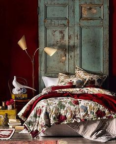 33 Cozy, Rich and Earthy Bedroom Tone Red and teal bedroom decor Bedroom Red, Red Walls, Beautiful Bedrooms, Home, Home Bedroom, Bohemian Master Bedroom, Bedroom Green, Eclectic Bedroom, Red Rooms