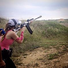 Sure Shots' Niki Jones shooting a Saiga 3G 12-gauge