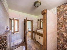 Natural Materials, Bathtub, Windows, Mirror, Bathroom, Wood, Furniture, Beauty, Home Decor