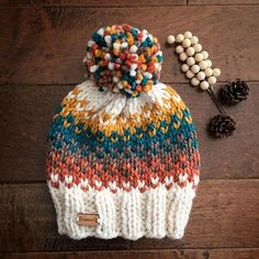 Knitting Patterns Chunky Knit Hat//Knit Beanie//Pom Pom Hat//Ski Hat//Knit hat two colors Chunky Knitting Patterns, Loom Knitting, Knit Patterns, Baby Knitting, Free Knitting, Bonnet Crochet, Crochet Beanie, Knitted Hats, Knit Crochet