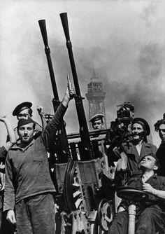 "Puerto de Cartagena (Murcia) 1936. David Seymour ""Chim"""