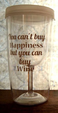 Wine Sippy Cup Wine to Go Cups To relieve stress by TheDesigNest Wine Glass Sayings, Wine Quotes, Decorated Wine Glasses, Hand Painted Wine Glasses, Vinyl Tumblers, My Cup Of Tea, Silhouette Cameo Projects, Big Project, Crafty Craft