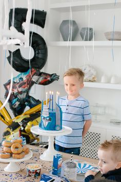 Liam's Transformers Birthday 5th Birthday Party Ideas, Birthday Themes For Boys, Kids Party Themes, Boy Birthday Parties, 8th Birthday, Transformer Party, Transformers 4, Rescue Bots Birthday, Transformers Birthday Parties