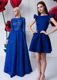 Платье «Джулия» синее сетка — 46 990 рублей, Платье «Кэнди» синее мини — 27 990 рублей